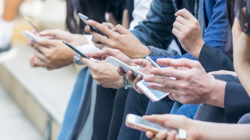 Company Social Media_4